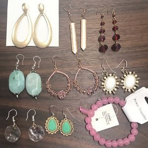 Bundles of Fashion Earrings A6
